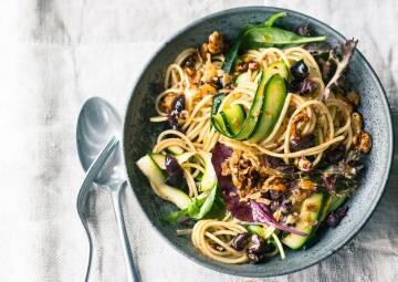 Spaghetti-Zucchini-Salat