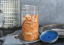 Veganes Rezept: Fermentierte Ingwer-Karotten